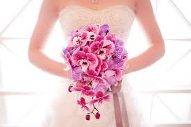 noiva com orquídeas