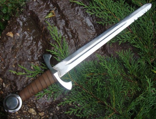 adaga-medieval-609107